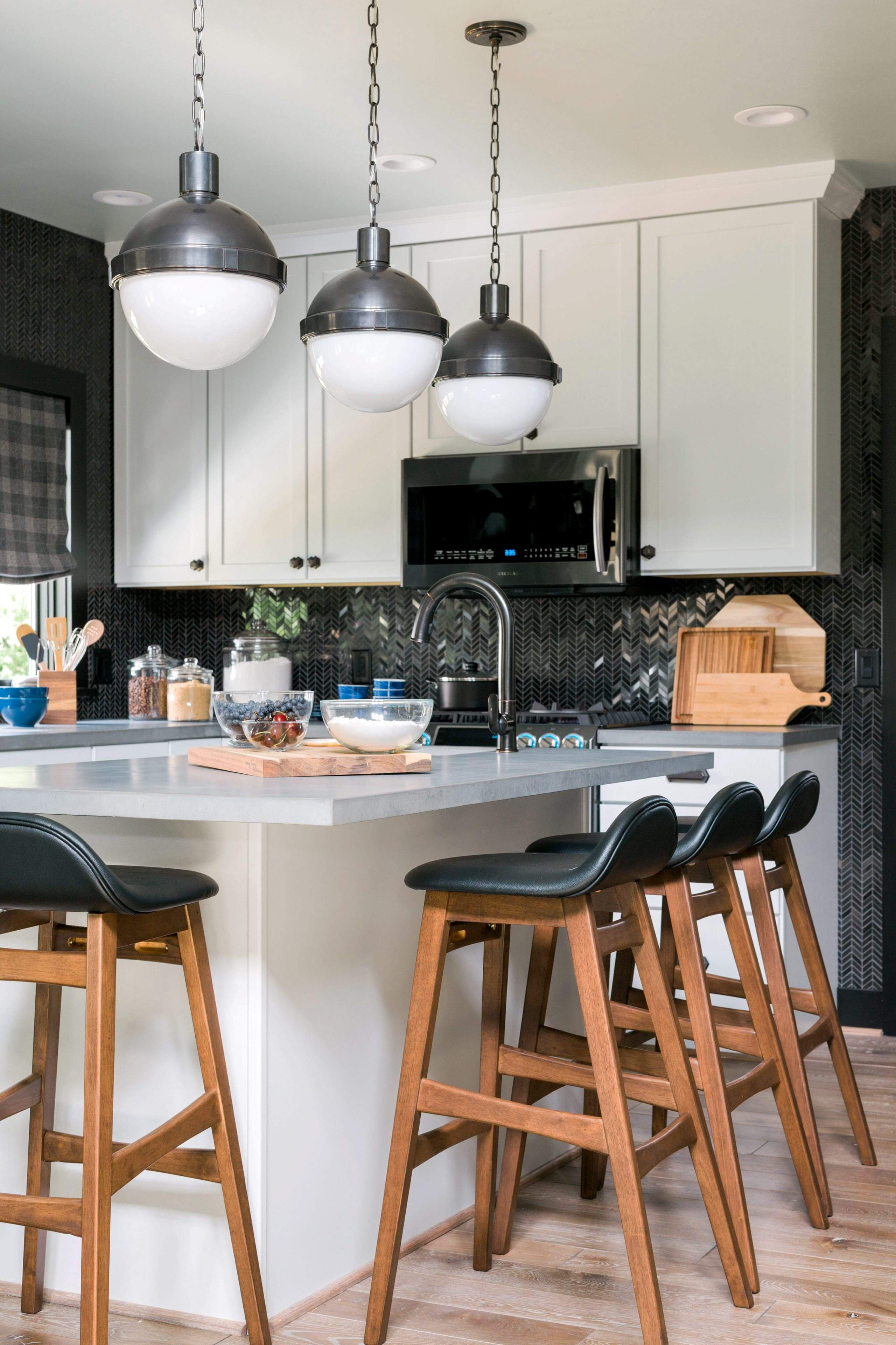 So Whats Cooking In The Kitchen - What's new in kitchen lighting