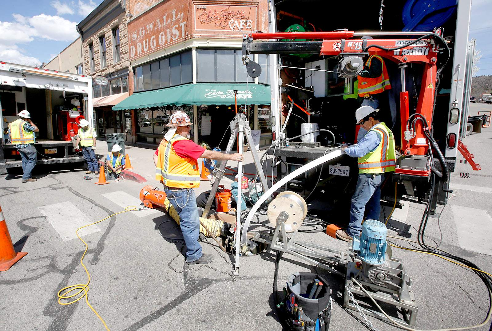Crews with AUI Inc. install a liner made of thick PVC material inside a storm sewer pipe Wednesday on Main Avenue in downtown Durango. & Whatu0027s the heavy construction on Main Avenue? Itu0027s pipe lining