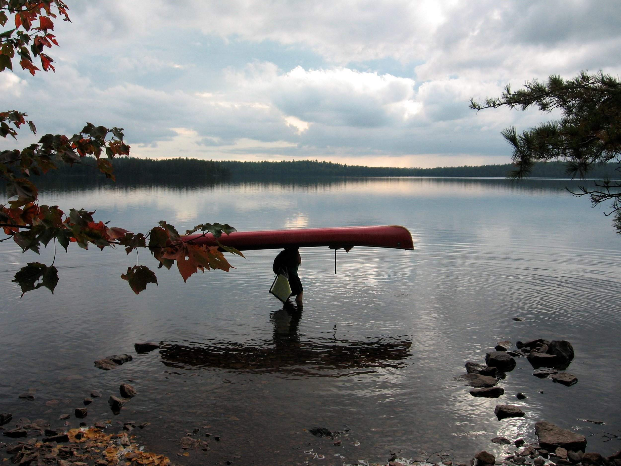 Canoeing in the quiet beauty of Minnesota\'s Boundary Waters