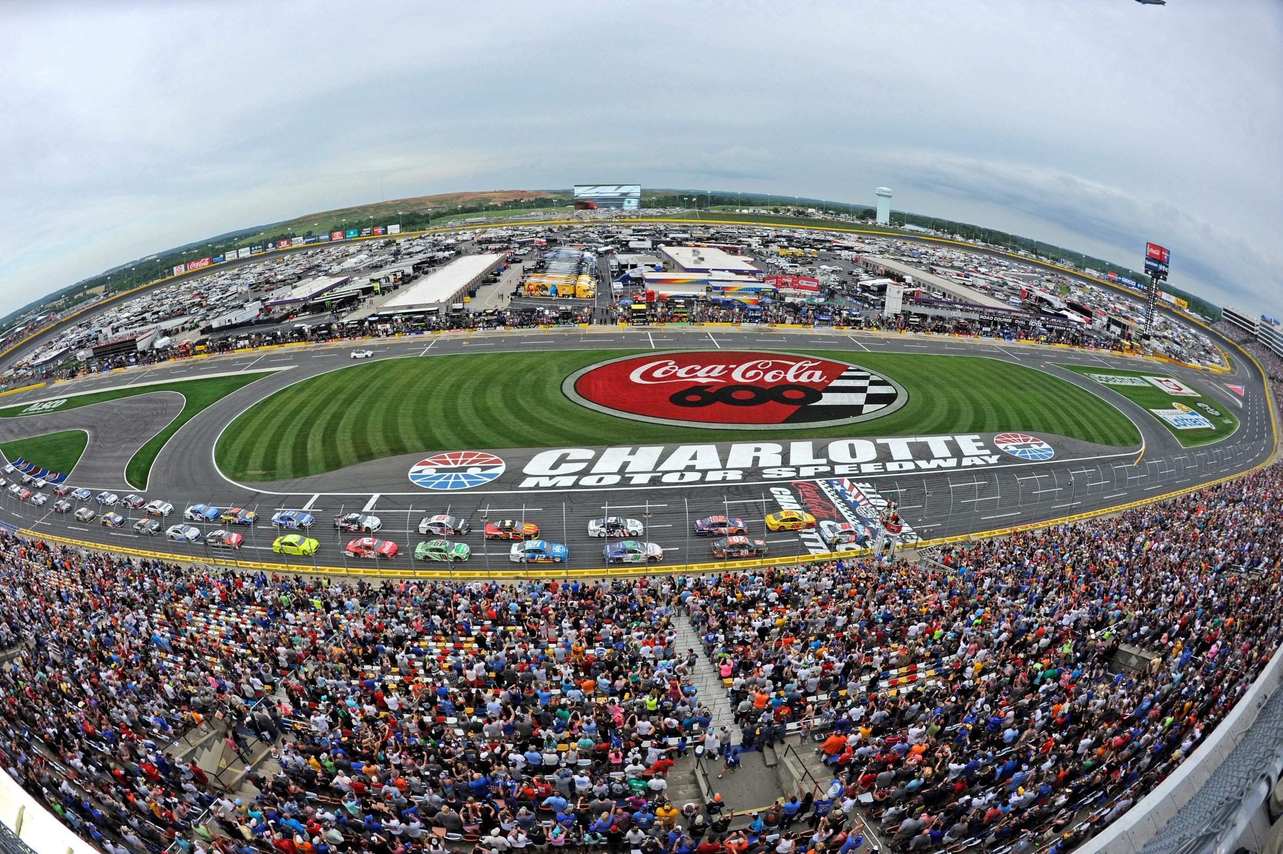 North Carolina governor allows NASCAR race at Charlotte