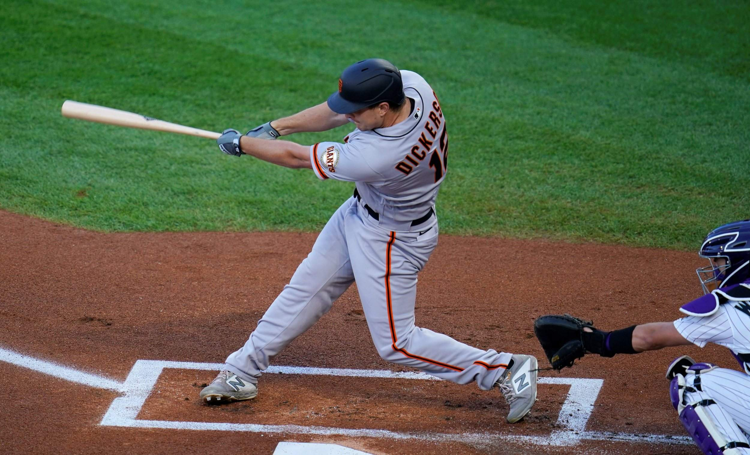 Alex Dickerson's 3rd home run, the Giants' historic assault blast