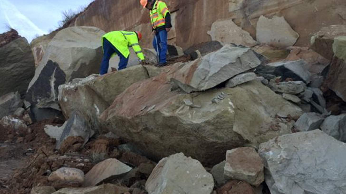 Rockslide A Large Closed Northbound Lane Of US 550 Sunday On Tuesday CDOT Officials Planned The Removal Debris That Is Expected To