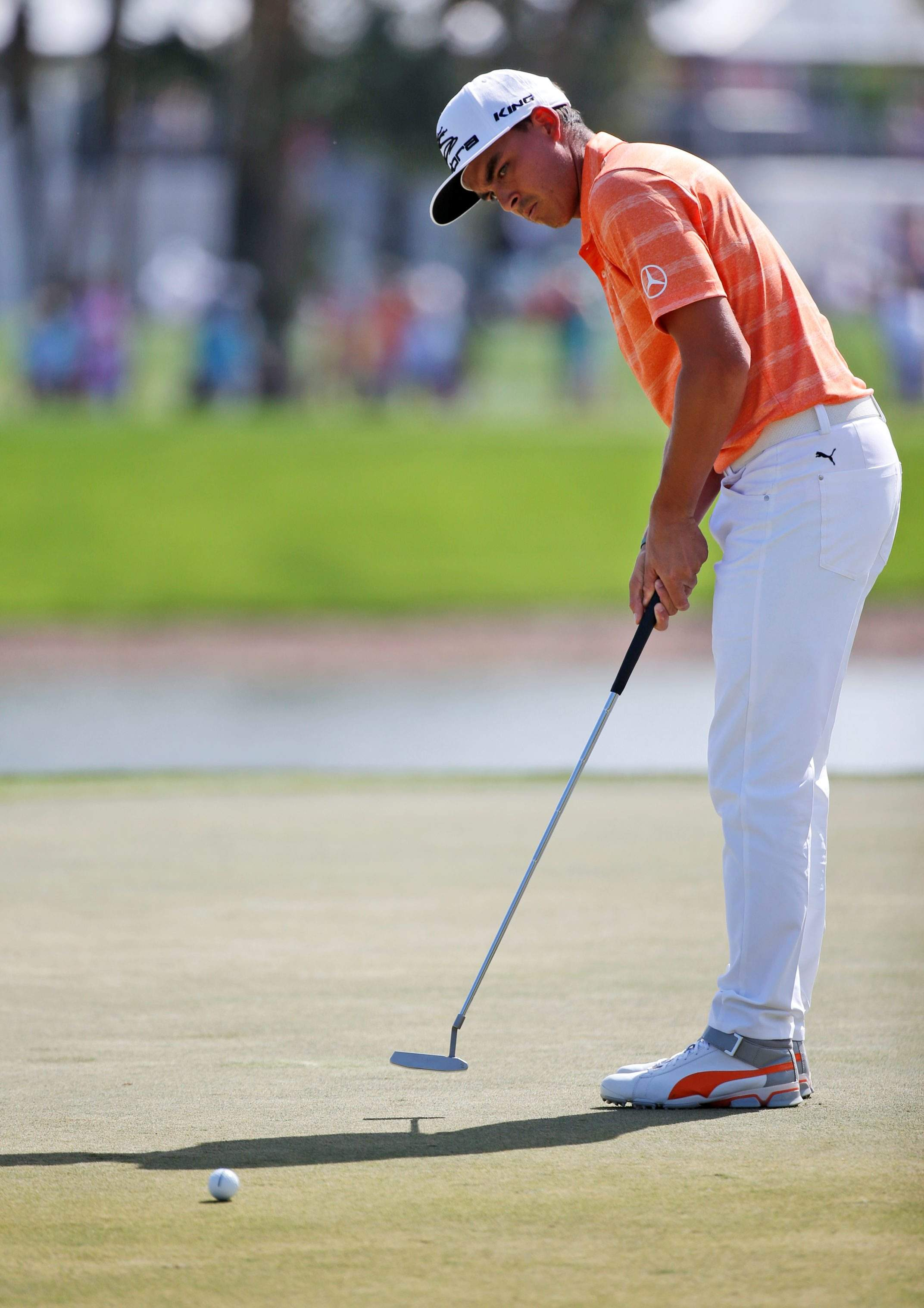Rickie Fowler overcomes early mishaps to win Honda Classic