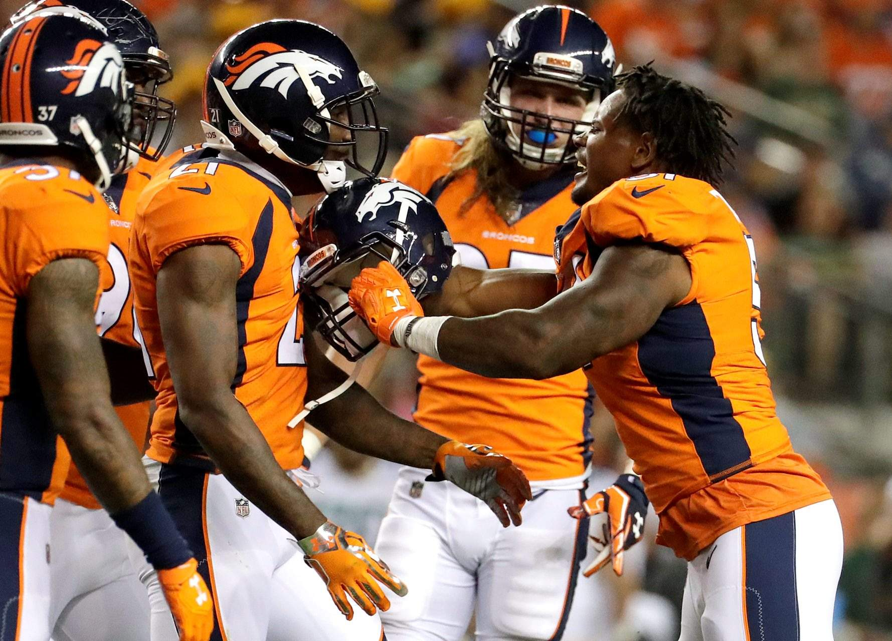 ecbc4a631a6 Jamaal Charles flashes skill in Broncos preseason win against Packers