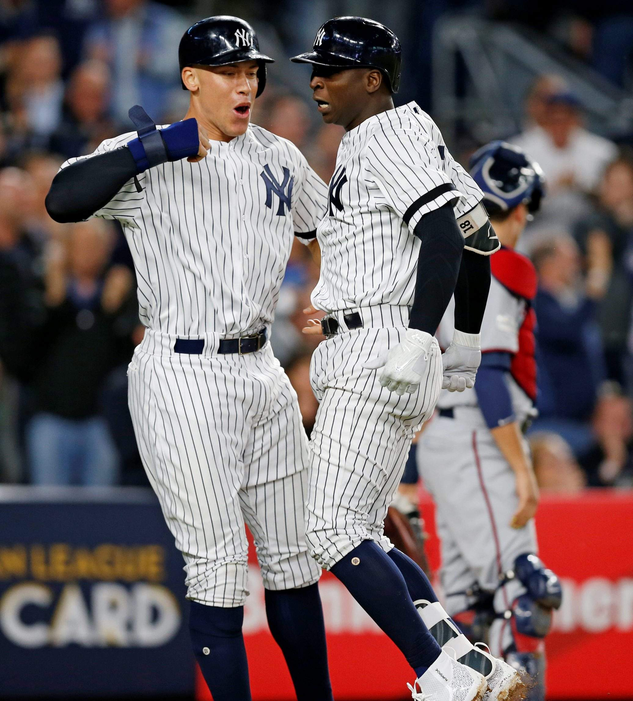 low priced d1269 d6858 Home runs, bullpen send Yankees past Twins and into NLDS