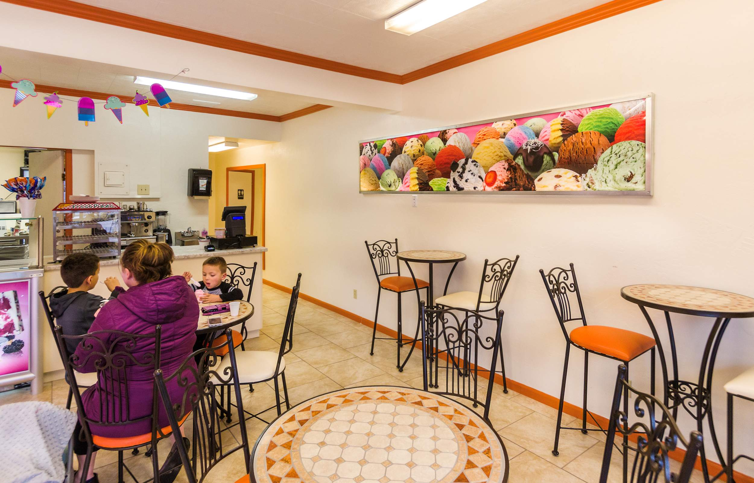 La Michoacana El Oasis Paleteria Opens On North Main
