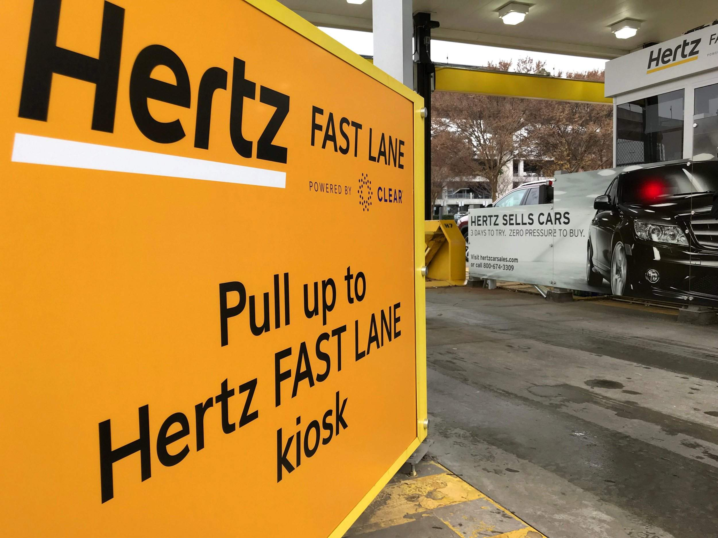 Hertz Atlanta Airport >> Hertz Hopes Biometric Scan Will Speed Rentals