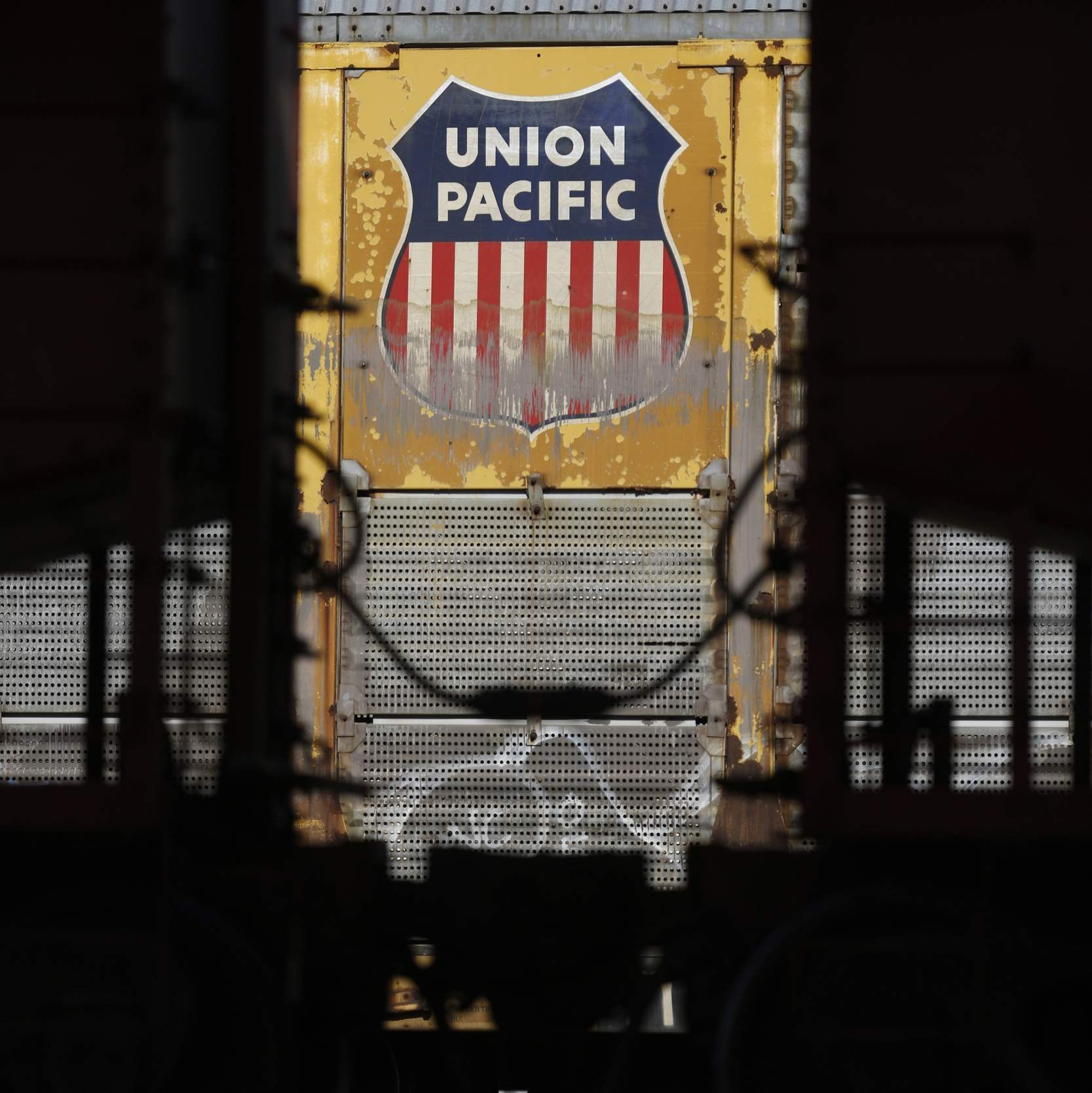 New efficiency strategy helps Union Pacific soar