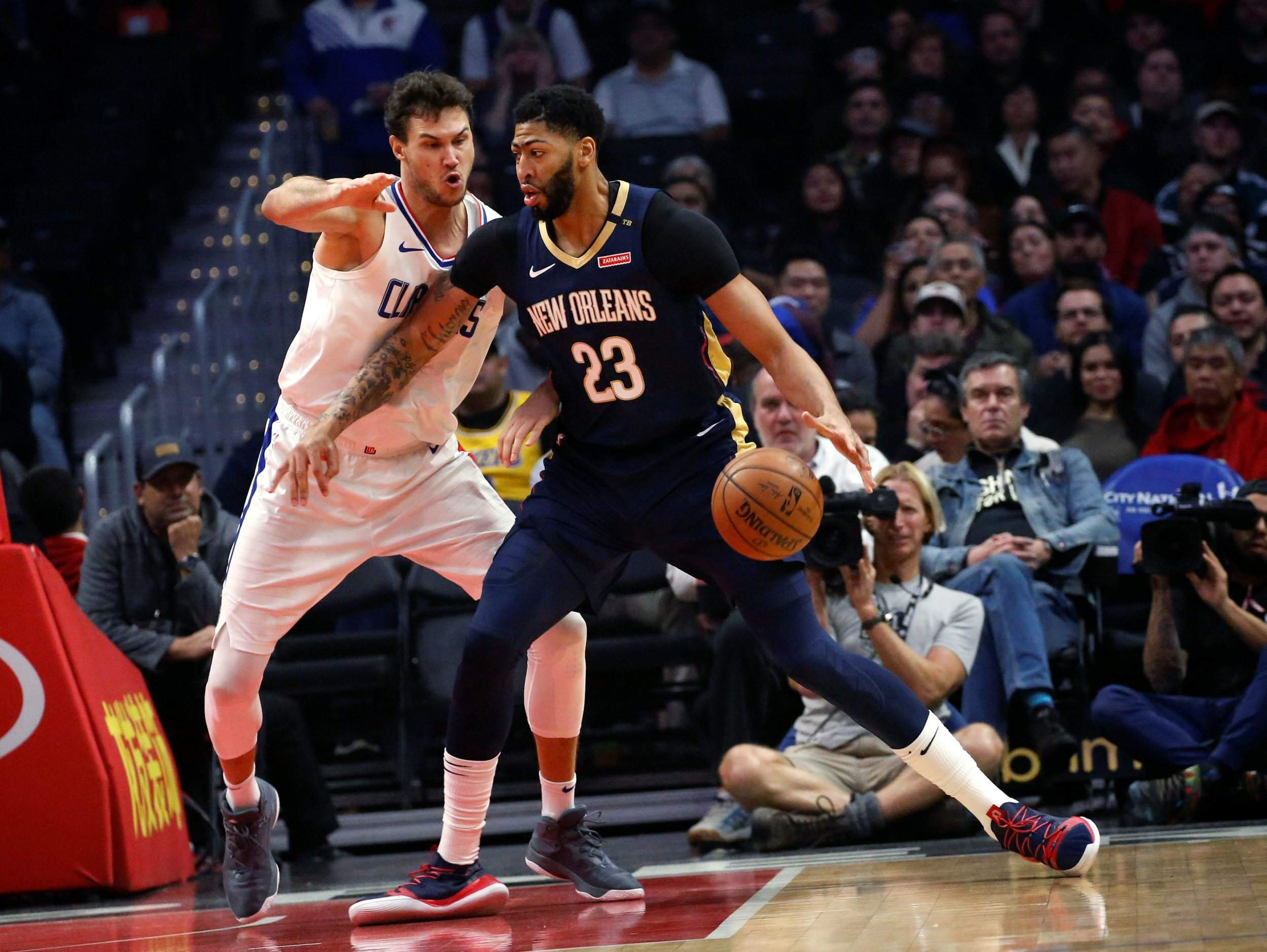 abd6133d9 Anthony Davis  agent says the five-time All-Star has told the New Orleans  Pelicans that he wants to be traded to a contending team.