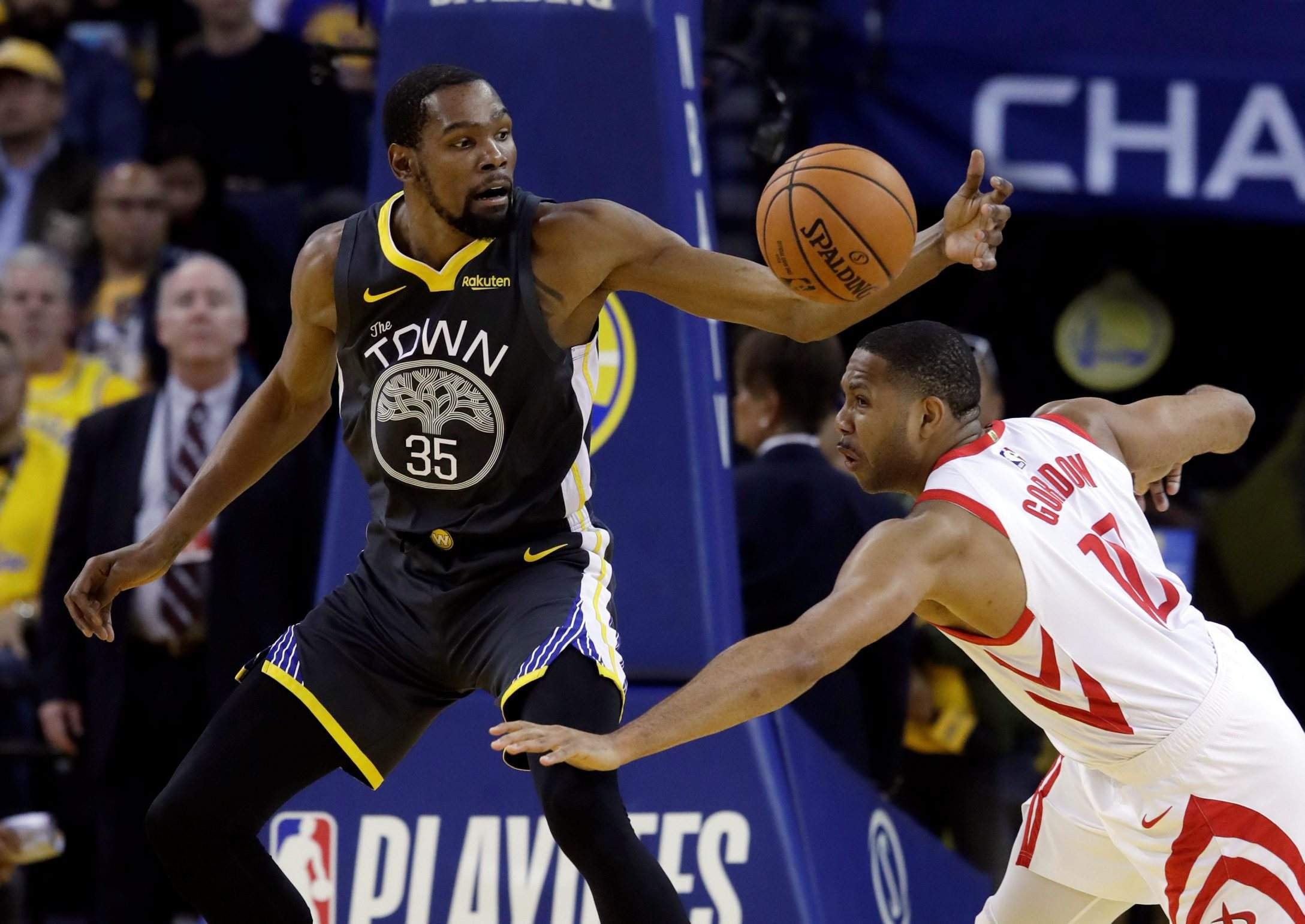 1c46a514fb9 Kevin Durant leads Warriors past Rockets again