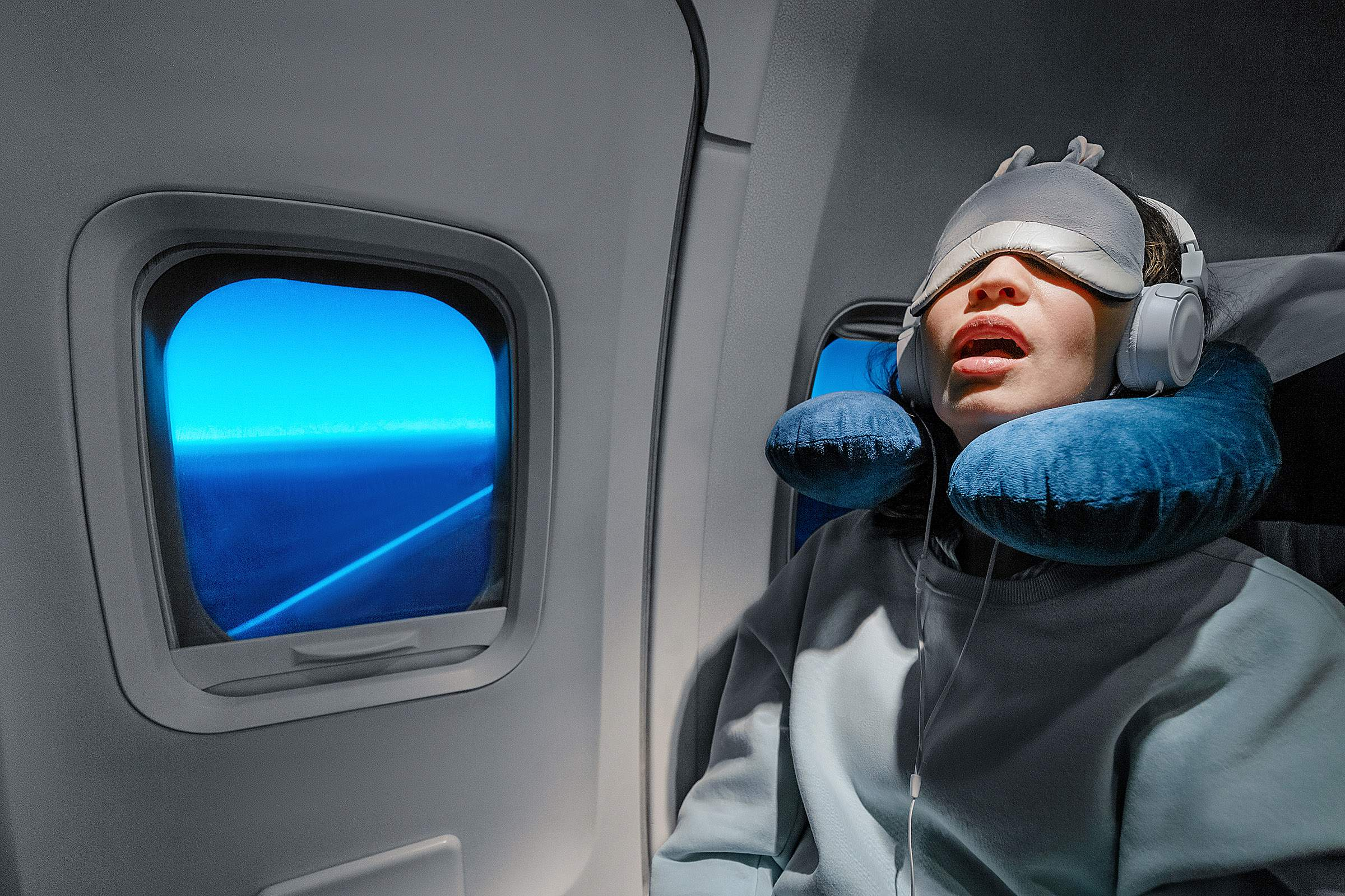 8 essential items to help you sleep well on your next flight