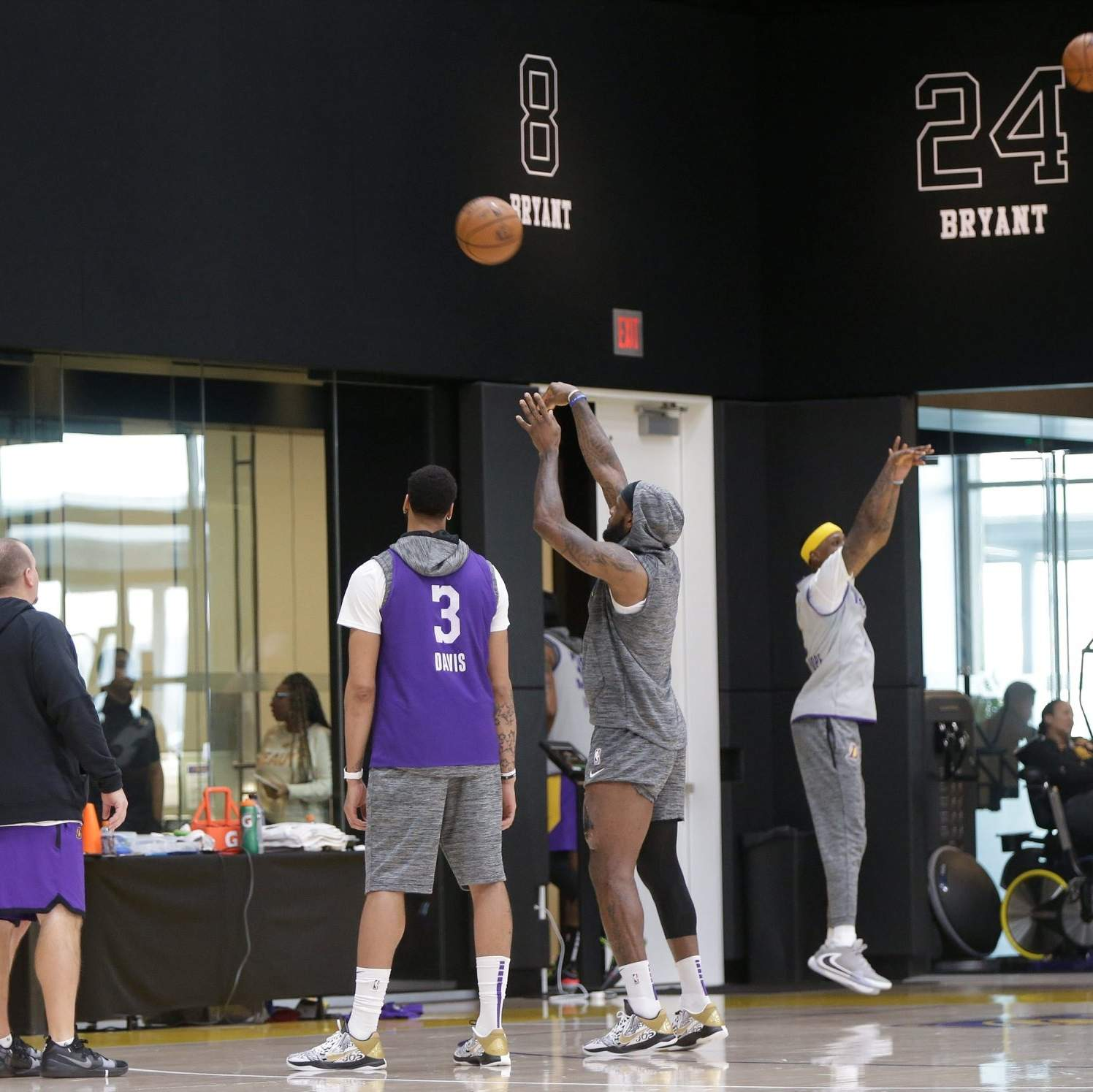 Lakers Play Outside To Lighten Spirits